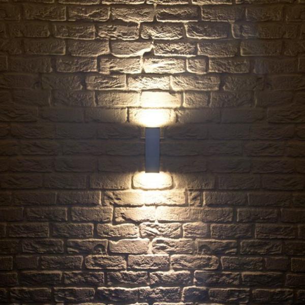 zweiflammige Wandleuchte Licht aluminium