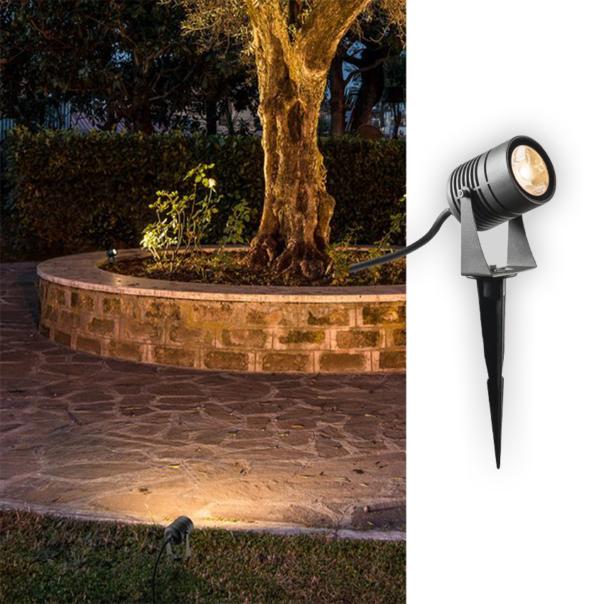 moderne Erdspießlampe für den Außenbereich