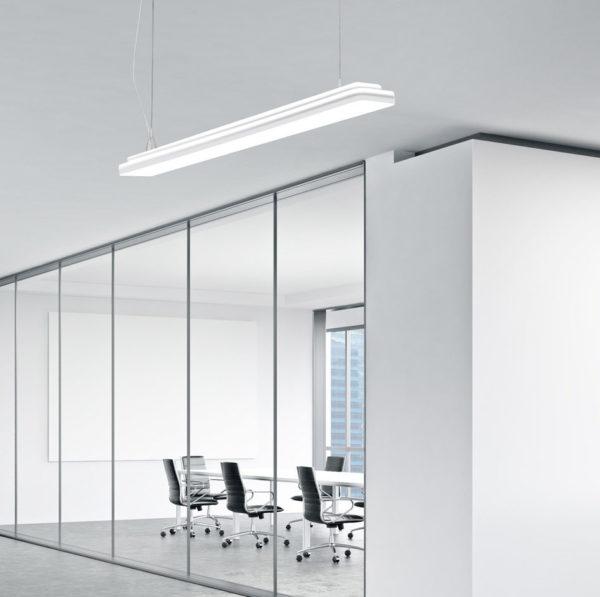 elegante Pendelleuchte für den Innenbereich in weiß